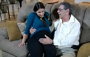 Logan can not live out be advantageous to her older man hd