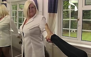 LACEYSTARR - Dr Lacey Encounters Tindra Gorgonize