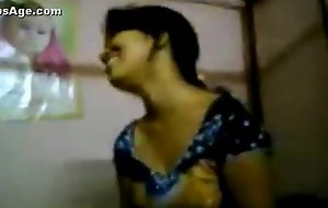 Indian Hawt Desi Girlfriend nude clip exposed by her make obsolete after her wedding - Wowmoyback
